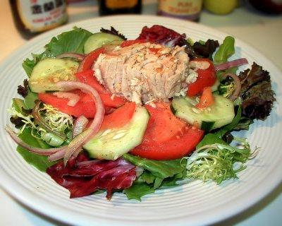 Mixed Greens & Veggies With Albacore & Sesame-Lime Vinaigrette