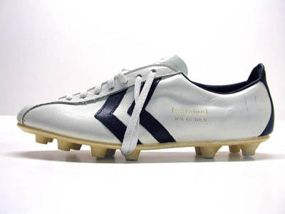 First Pullover: vintage hummel football boots