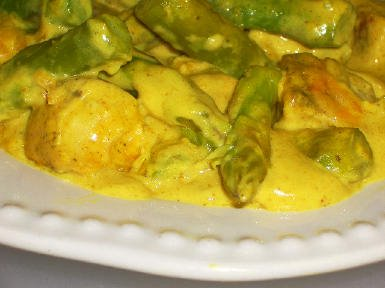 Chicken and Asparagus with Curry Sauce
