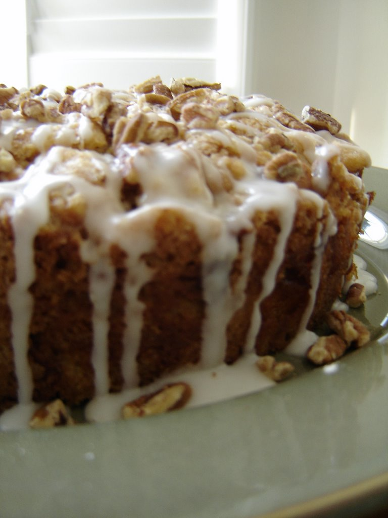 The Canadian Baker: Pear Pecan Cake