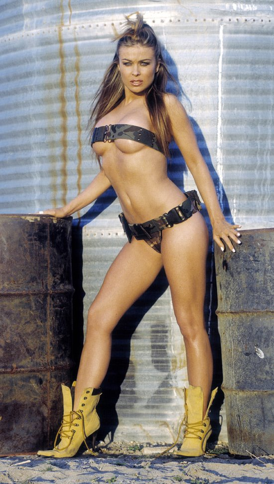 carmen-electra-sexiest-topless-photos