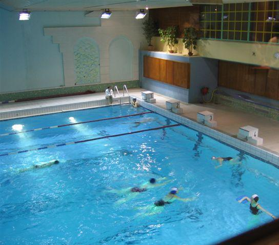 Paris breakfasts piscine st germain glac e for Public swimming pools paris