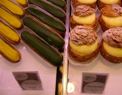 dark forest green éclairs???