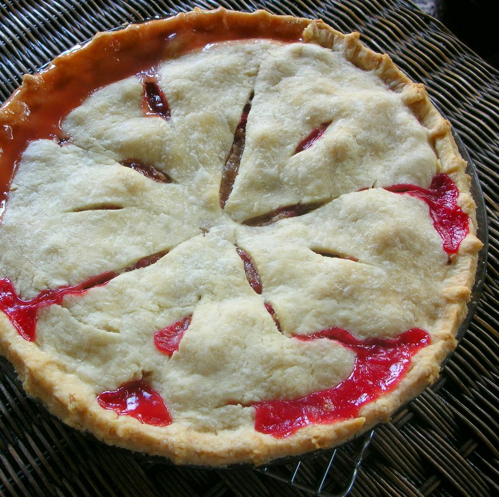 Perfect Rhubarb Pie ♥ Annie Dimock's Straight-Up Rhubarb Pie | A ...