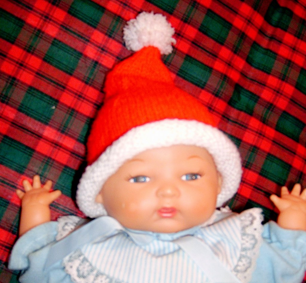Knitting Pattern For Infant Santa Hat : Spinning Sandys Ditsy Drivel: Preemie Baby Santa Hat Knitting Pattern