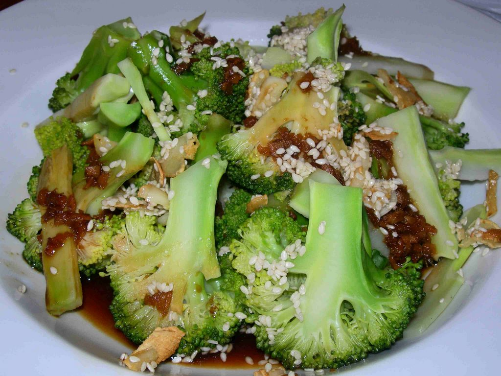 Kathryn cooks with Jamie: Steamed broccoli with soy and ginger
