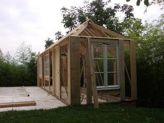 Tout faire dans la maison une cabane au fond du jardin for Cabane de rangement pour jardin