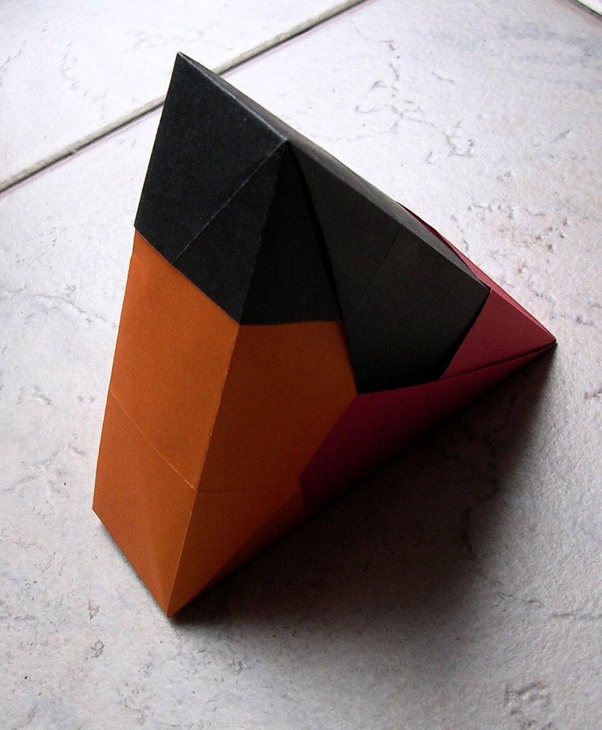 l camargo origami modular. Black Bedroom Furniture Sets. Home Design Ideas