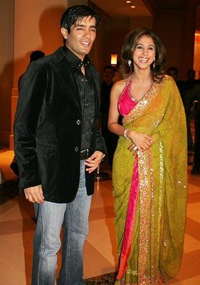 Chic Mommy Urmila And Manish Malhotra Are A Couple