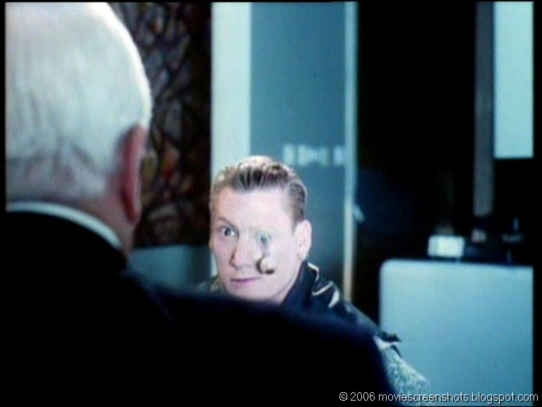 Vagebond's Movie ScreenShots: Wrongfully Accused (1998)