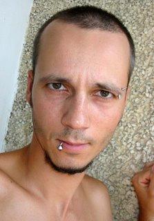 пиърсинг на устната, lip piercing, facial piercing, пиърсинг на веждата