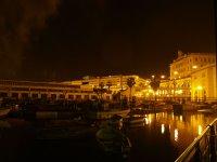 Algeri, vista notturna delle poste centrali