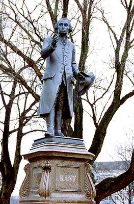 Estátua de Kant em sua cidade natal