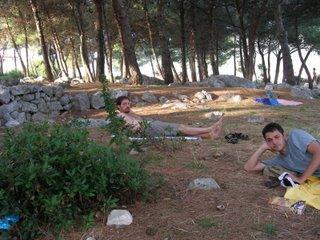 Krk, siesta in pineta