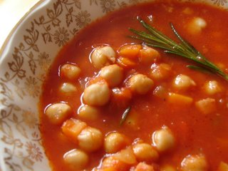Soupe aux Pois Chiches et Tomates