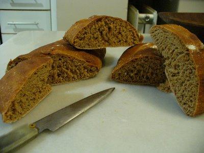 siempre tengo la sensación que el pan me queda poco cocido, cuando me desentrampe un poco me voy a comprar un horno más potente