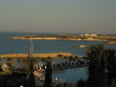 Coral Beach Hotel&Resort