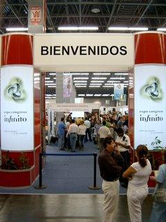 Entrada a la Expo Congreso Infinito 2006 de Guadalajara