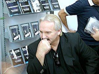 Jonathan Reed, el del brazalete dizque extraterrestre, en Expo Infinito Guadalajara