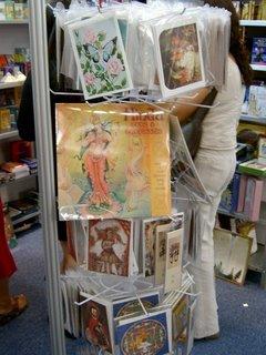 Calendarios y tarjetas con temas esotéricas