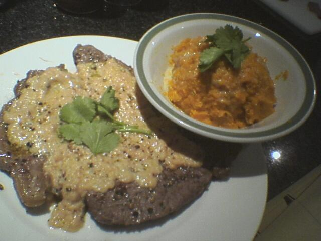 Pepper steak and sweet potato mash