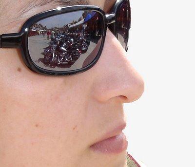 Harleys sobre gafas de sol