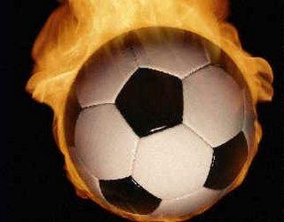 El fútbol está en llamas
