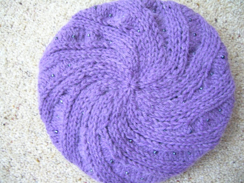 completed hat with swirl