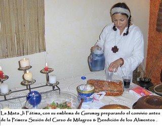 Gurumay Fatima preparando el Mana.