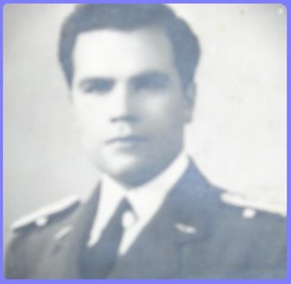 El entonces Teniente Gonzalo Guevara, padre del Zahir
