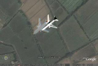 經過觀音鄉上空的飛機