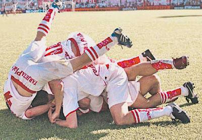 Huracán Almagro: festejo del gol