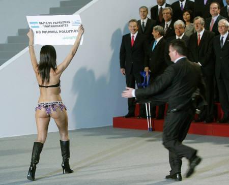 Activista do Greenpeace invade a IV Cimeira euro-latino-americana em Viena
