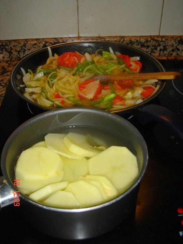 El mundo en mis manos perca al horno - Tiempo de cocer patatas ...