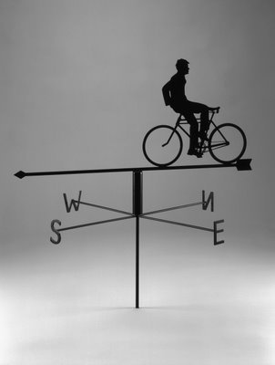 Rodney Graham, Weather Vane, 2002, stainless steel, black enamel, 69 x 63 cm, collection de Scott Livingstone. © Rodney Graham
