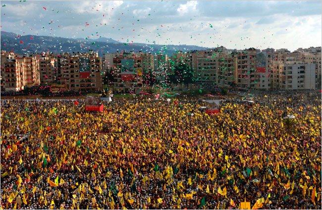 جماهير المقاومة في مهرجان الانتصار 2006 - الضاحية الجنوبية