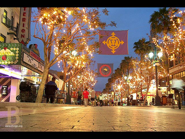3rd street promenade movie theatre times
