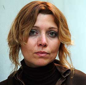 Elif Şafak vai hoje a tribunal
