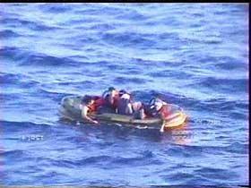 Emigrantes ilegais foram colocados à deriva por navios gregos em águas territoriais turcas