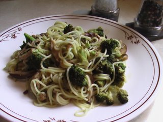 Ahaar: Mushroom & Broccoli Pasta