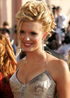 """Maggie Grace – Everybody! """"On the good ship, lollipop ..."""