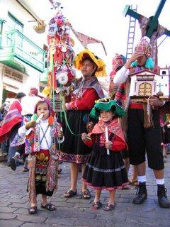 Los trajes típicos en fiestas culturales