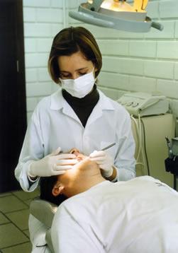Visita al odontólogo al menos una vez al año