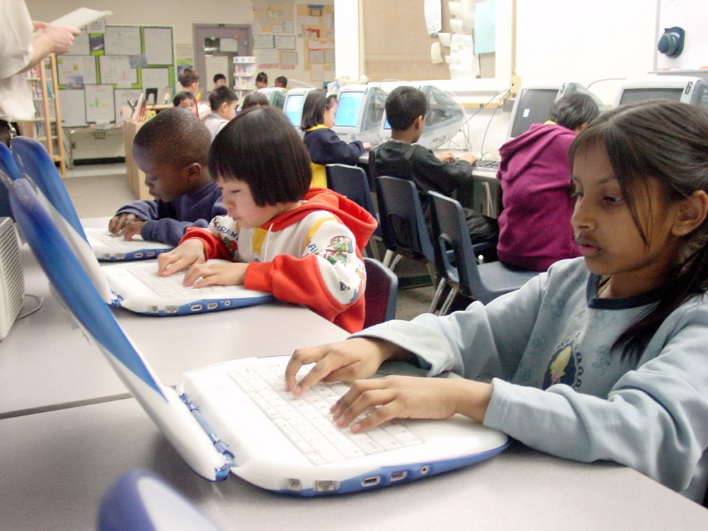 school and learning essay Learning the basic format of an essay and practicing often helps students feel more writing essays middle, and high school.