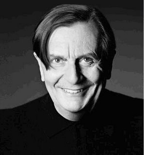 barry humphries hobbit