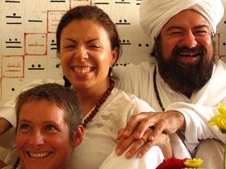 After the rituals, the joy... Despues de los rituales el gozo
