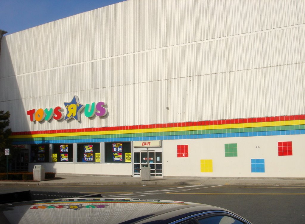 Toys R Us Mall : The caldor rainbow holyoke mall at ingleside