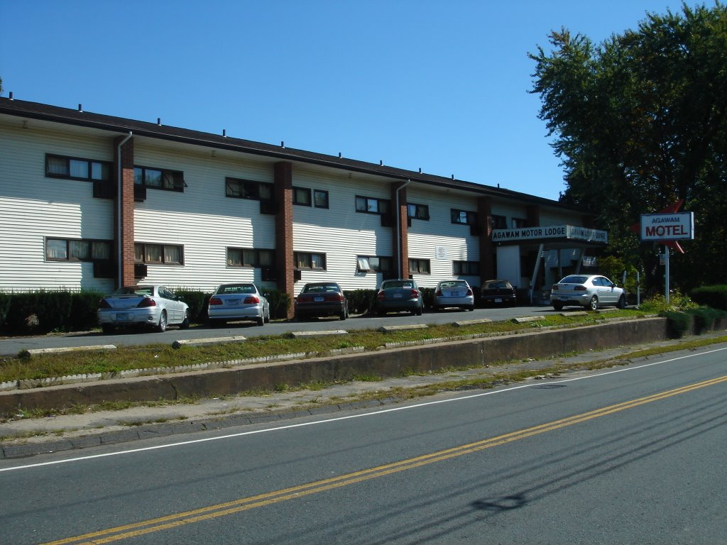 The unforgettable creepy small town Agawam Motel still kickin'.