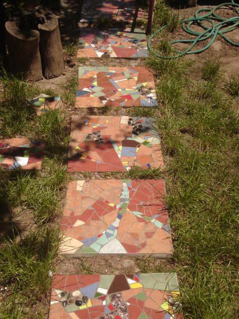 Decoraci n de mosaico en el hogar pastelones para jardines for Mosaicos para jardin