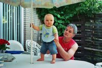 kleine Henk en Opa, Henkje op tafel 1 (copyright 2006 by Coegie)